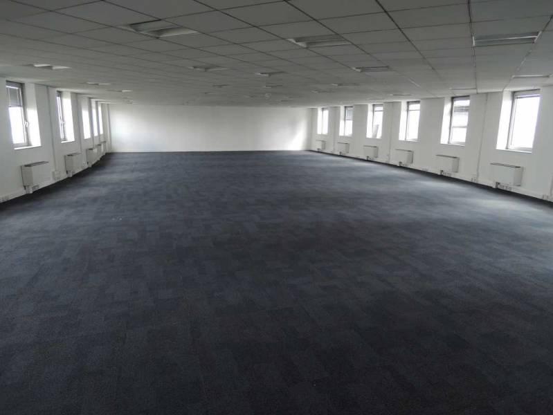 location bureaux aubervilliers 93300 765m2. Black Bedroom Furniture Sets. Home Design Ideas