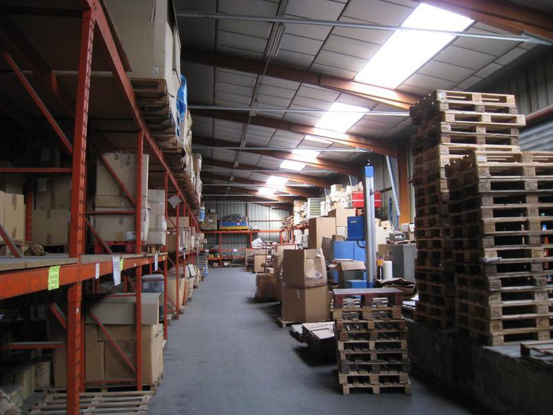 Location entrepôt avec bureaux divisibles 3550m² - AUBAGNE 13400 - Photo 1