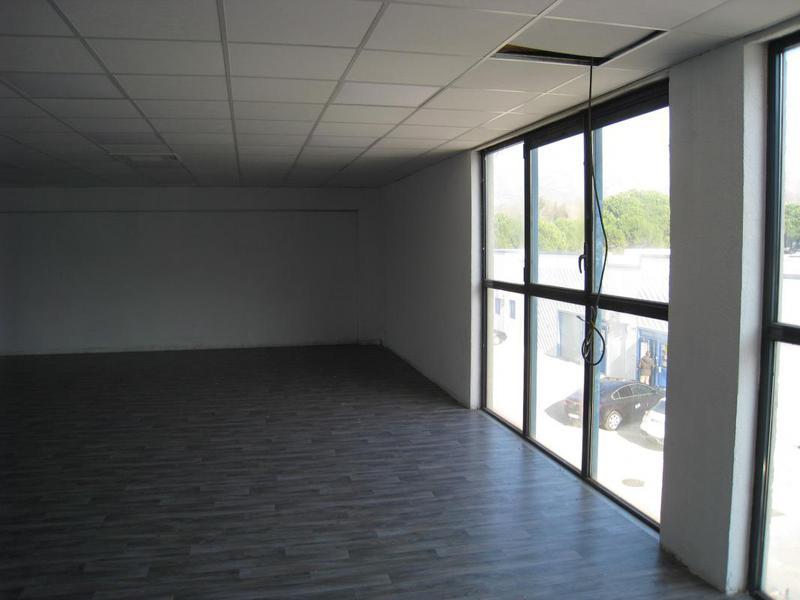 Location bureaux d'environ 135m² R+1 - AUBAGNE 13400 - Photo 1