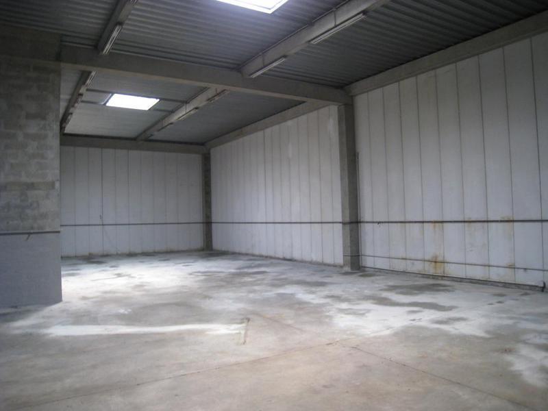 Location entrepôt et bureaux d'environ 462 m² ZI La Bastidonne - Aubagne (13400) - Photo 1