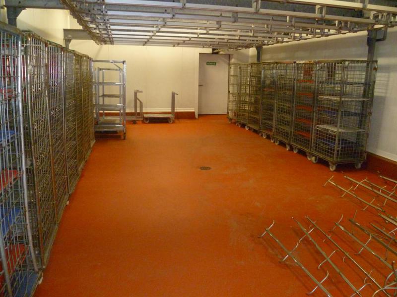 Location entrepôt frigorifique et bureaux d'environ 1200 m² Aubagne (13400) - Photo 1