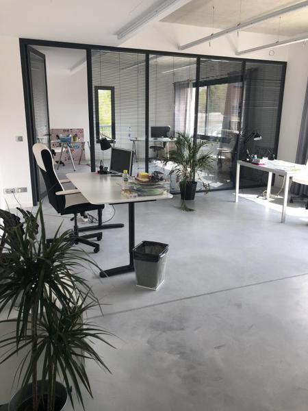 Location Bureaux d'environ 106 m² ZI Plaine du Caire 13830 Roquefort La Bédoule - Photo 1