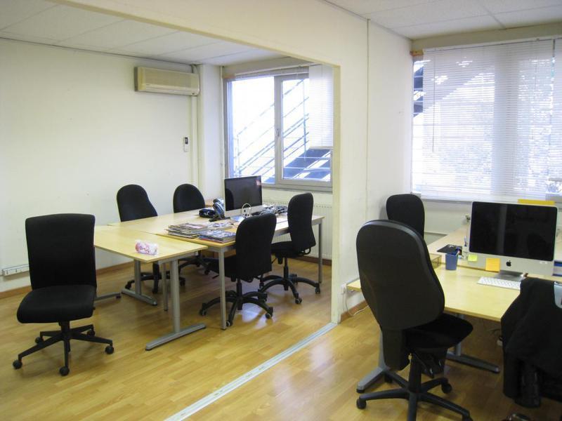 Location de bureaux d'environ 184m² - AUBAGNE 13400 - Photo 1