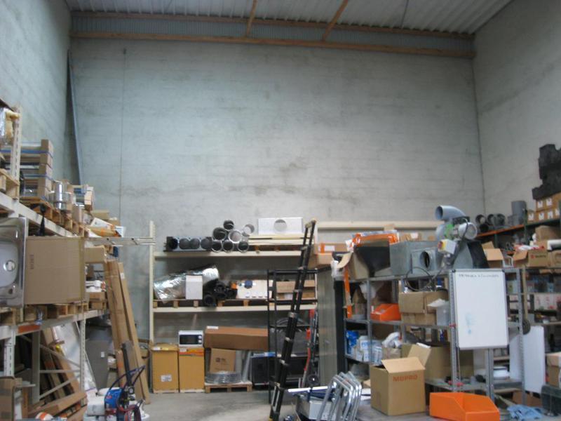 Location entrepôt et bureaux d'envrion 260 m² Gemenos (13420) - Photo 1