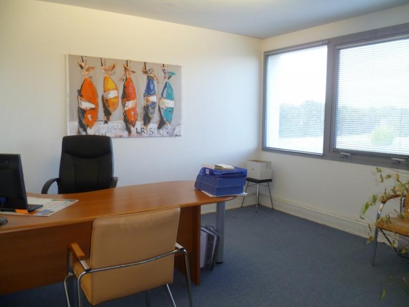 location bureaux aix en provence 13100 110m2. Black Bedroom Furniture Sets. Home Design Ideas