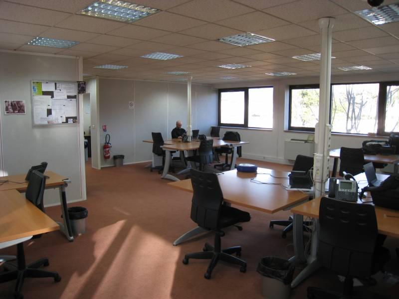 vente bureaux aubagne 13400 145m2. Black Bedroom Furniture Sets. Home Design Ideas