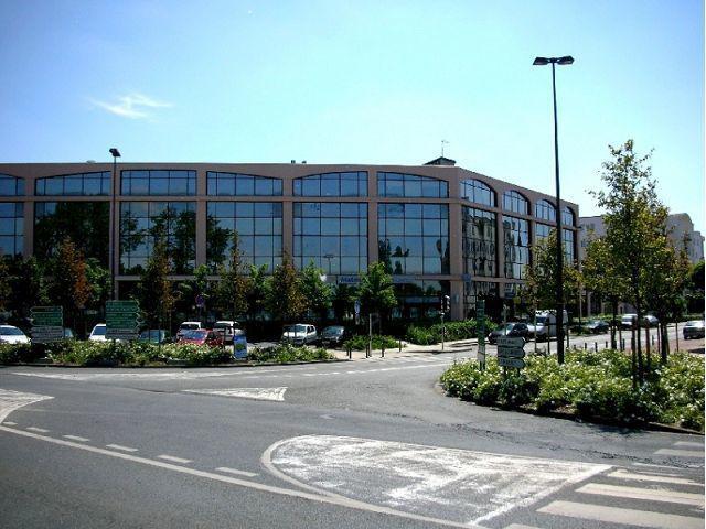 A louer une surface de bureaux de 115 m² a TORCY - Photo 1