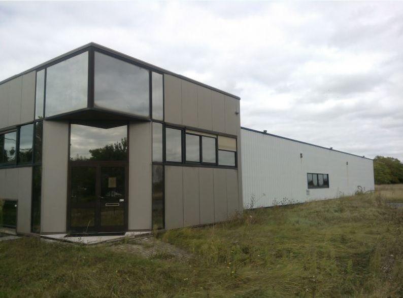 Local industriel d'activité et entrepôt de 2000 m² sur 8000 m² de terrain