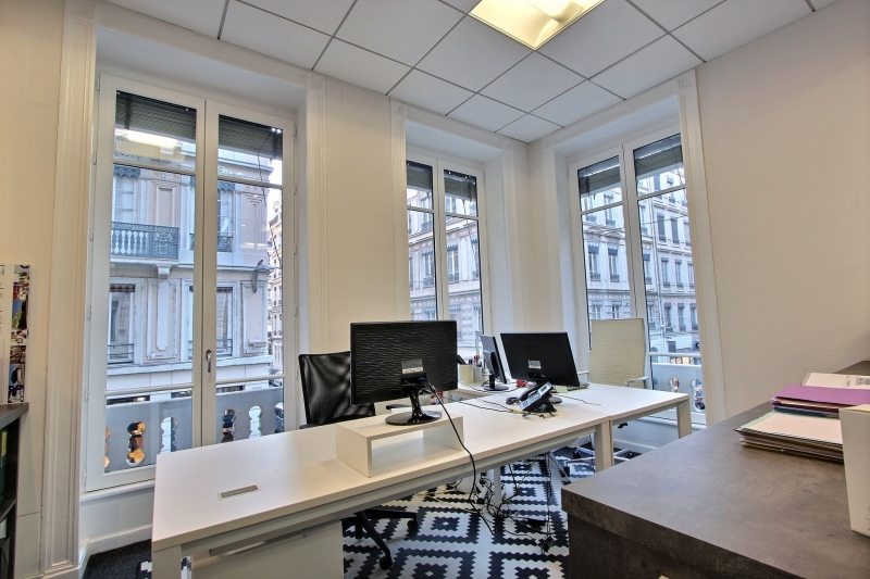 vente bureaux lyon 69002 140m2. Black Bedroom Furniture Sets. Home Design Ideas