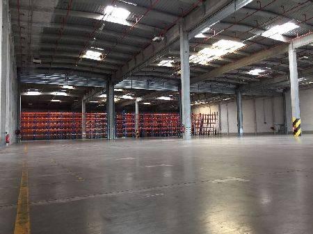 Entrepôt 17557 m² (Div. 3350 m² à louer(STRASBOURG 67100)
