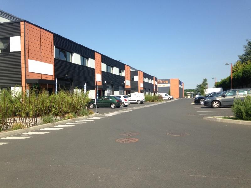 Local d'activité avec bureaux - 425 m² -  HERBLAY - Parc des Copistes - Photo 1