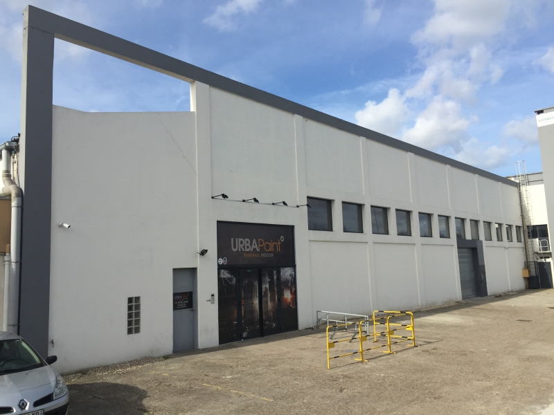 Locaux d'Activités - Entrepôts -2400m²  - Photo 1