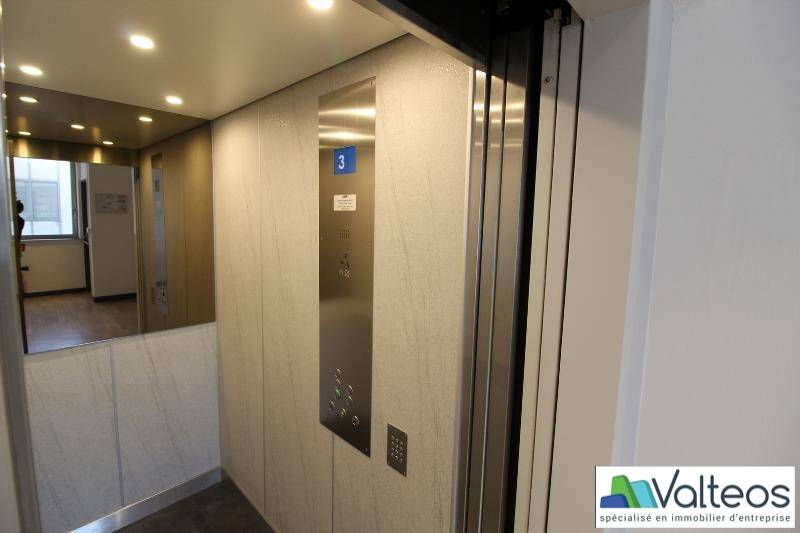 location bureaux neuilly plaisance 93360 145m2. Black Bedroom Furniture Sets. Home Design Ideas