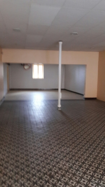 LOCATION LOCAL COMMERCIAL 107 M² 69460 BLACE