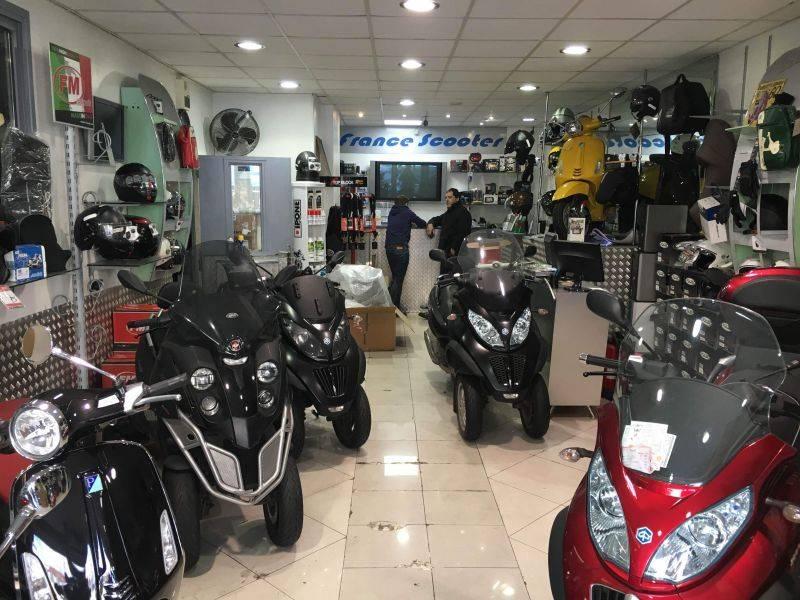 Vente locaux commerciaux paris 75011 115m2 for Locaux commerciaux atypiques paris