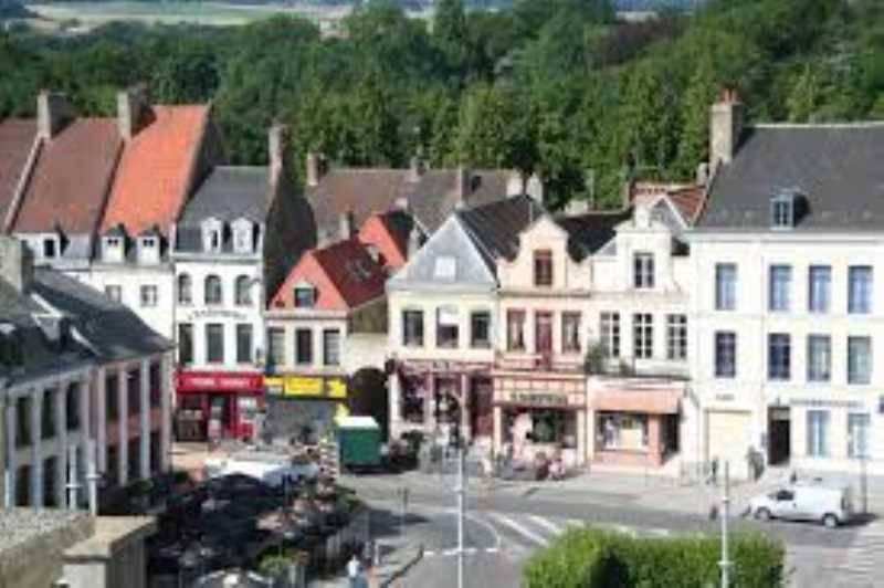 110 m2 de surface commerciale à Saint Omer