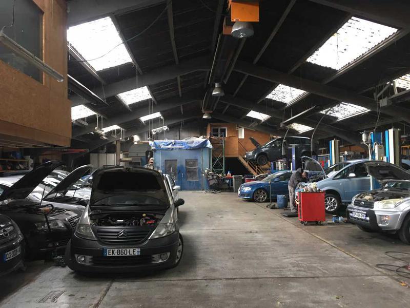 Location locaux d 39 activit s capinghem 59160 1 220m id for A louer garage automobile