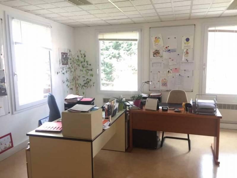 location bureaux lille 59000 97m2. Black Bedroom Furniture Sets. Home Design Ideas