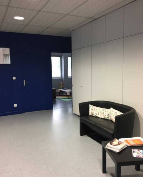 location bureaux capinghem 59160 250m2. Black Bedroom Furniture Sets. Home Design Ideas