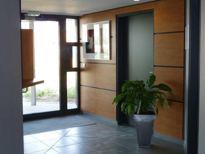 location vente bureaux sars et rosieres 59230 260m2. Black Bedroom Furniture Sets. Home Design Ideas