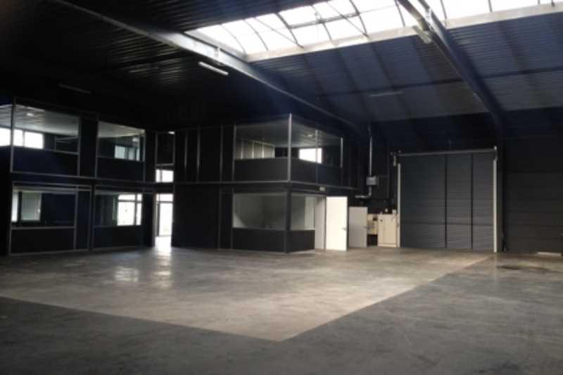 Location entrep t roncq 59223 2 500m2 for Location garage roncq