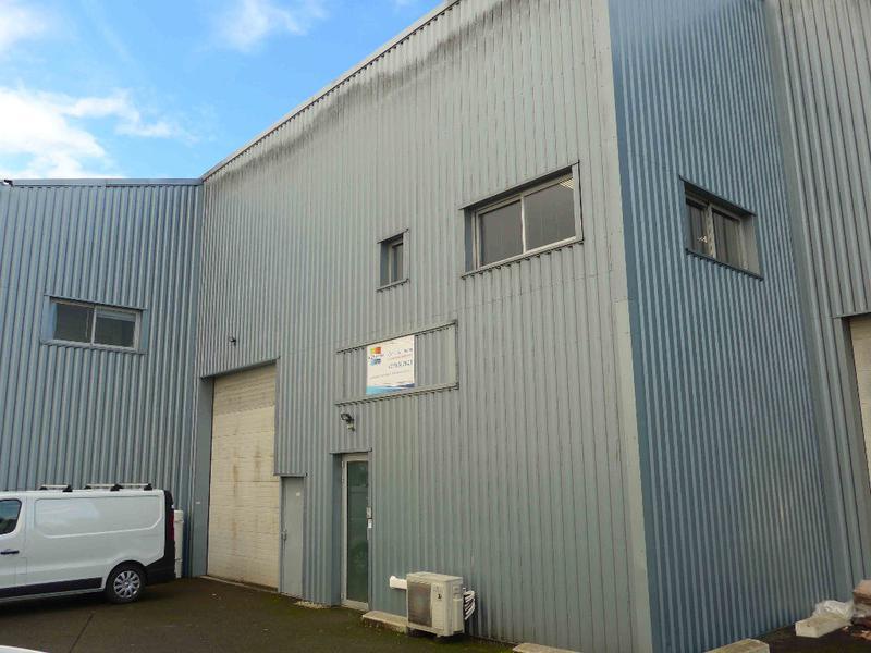 A LOUER LOCAL D'ACTIVITE VILLENAVE D'ORNON 306 m² - Photo 1