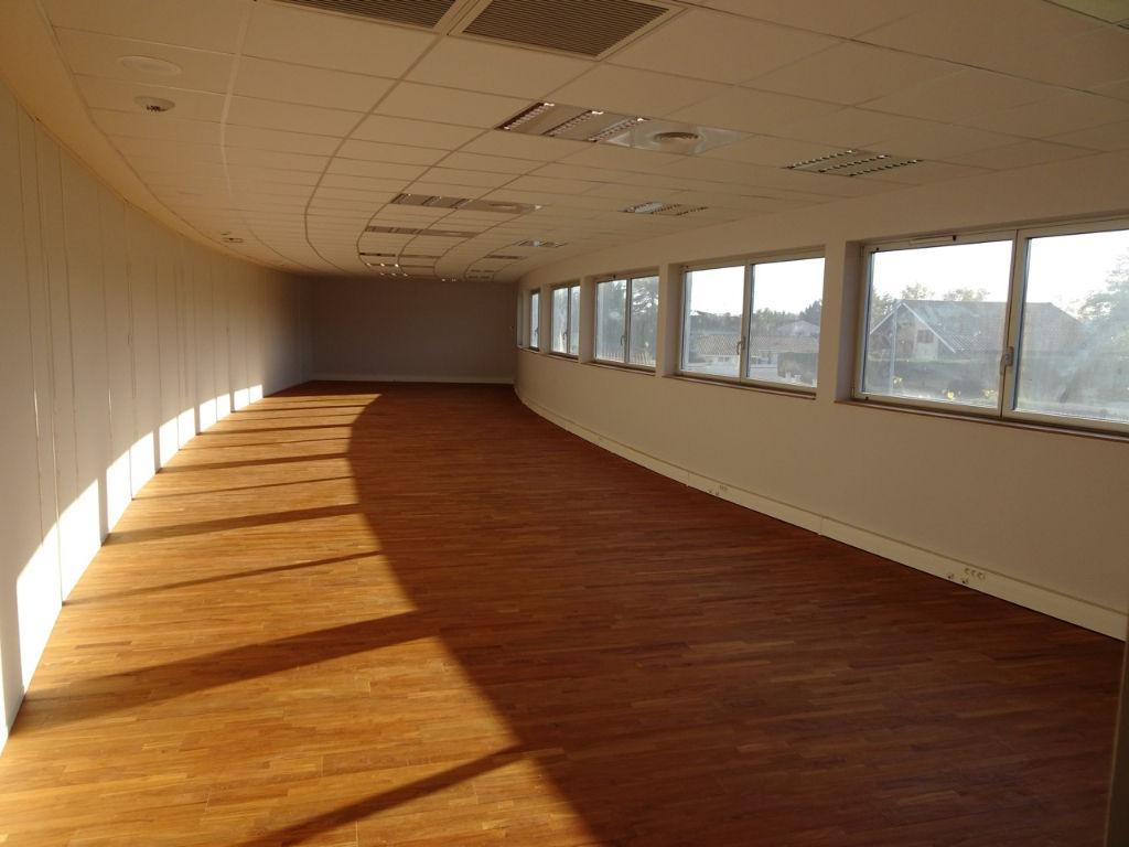 location bureaux villenave d 39 ornon 33140 116m2. Black Bedroom Furniture Sets. Home Design Ideas