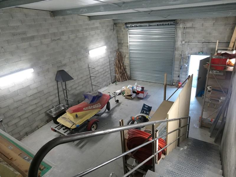 Local commercial 130 m² - Photo 1