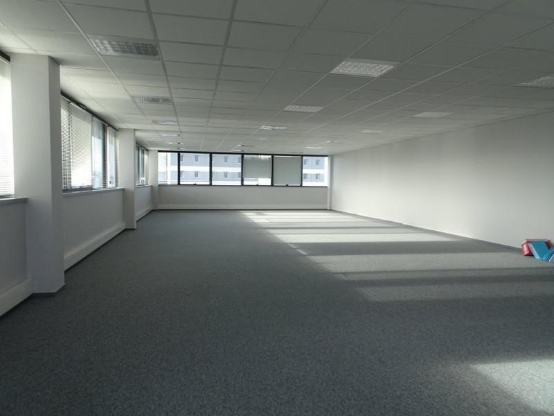 Bureaux Vide 173 m² - Photo 1