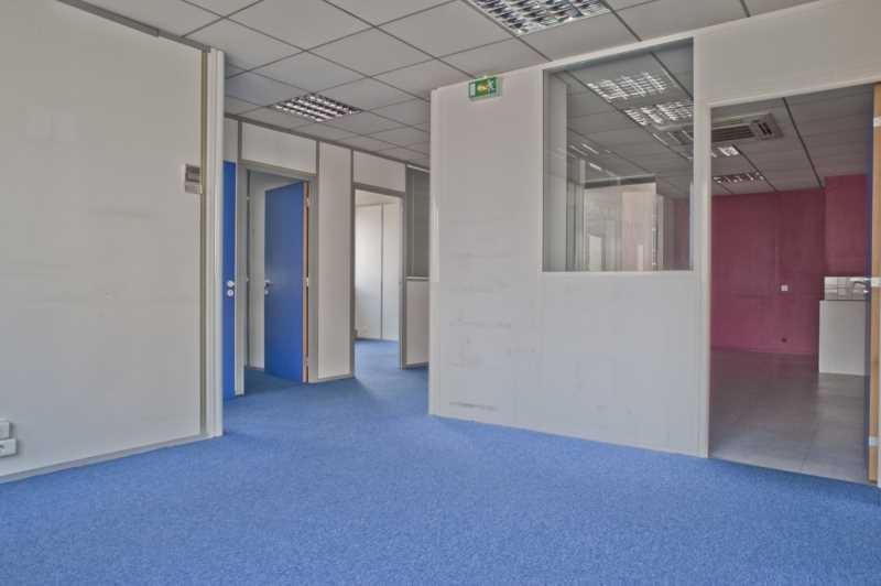 location bureaux locaux commerciaux bagnolet 93170 190m2. Black Bedroom Furniture Sets. Home Design Ideas