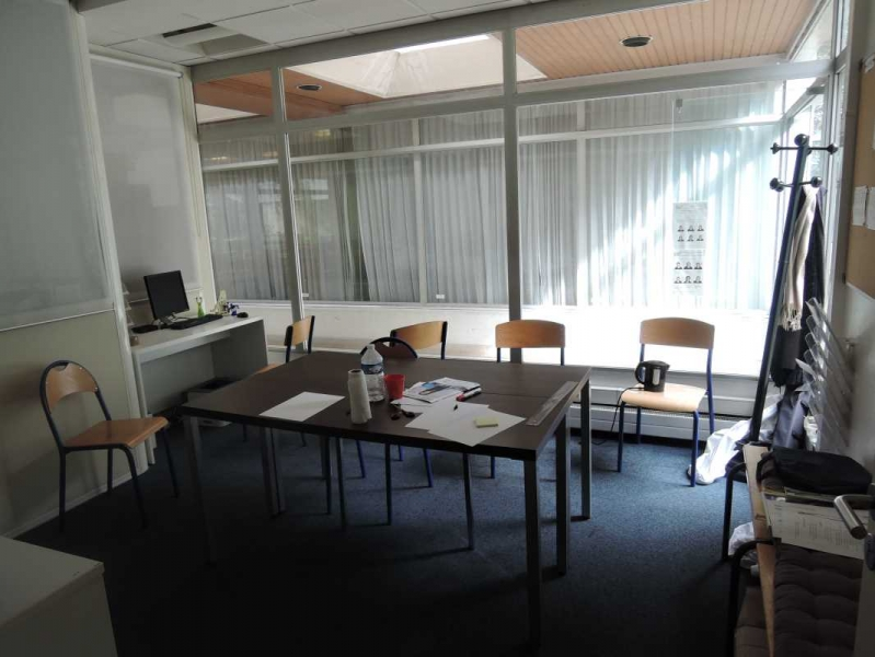 location vente bureaux locaux commerciaux paris 75011 719m2. Black Bedroom Furniture Sets. Home Design Ideas