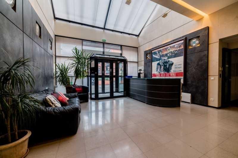 location bureaux issy les moulineaux louer bureau issy les moulineaux 92130. Black Bedroom Furniture Sets. Home Design Ideas