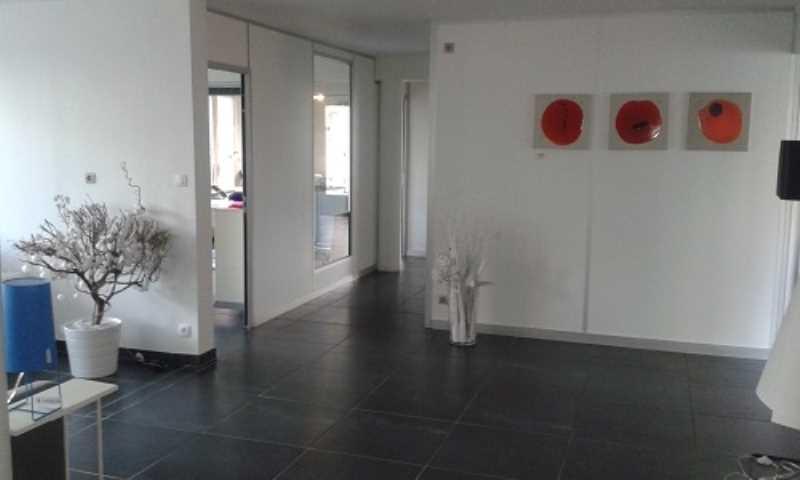location bureaux marolles en brie 94440 340m2. Black Bedroom Furniture Sets. Home Design Ideas