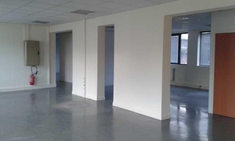 location bureaux pantin 93500 200m2. Black Bedroom Furniture Sets. Home Design Ideas