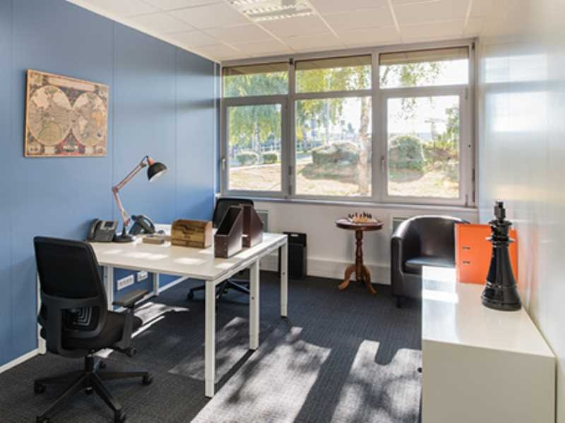 location bureaux paray vieille poste 91550 226m2. Black Bedroom Furniture Sets. Home Design Ideas