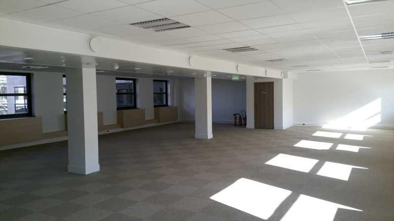 location bureaux rueil malmaison 92500 205m2. Black Bedroom Furniture Sets. Home Design Ideas