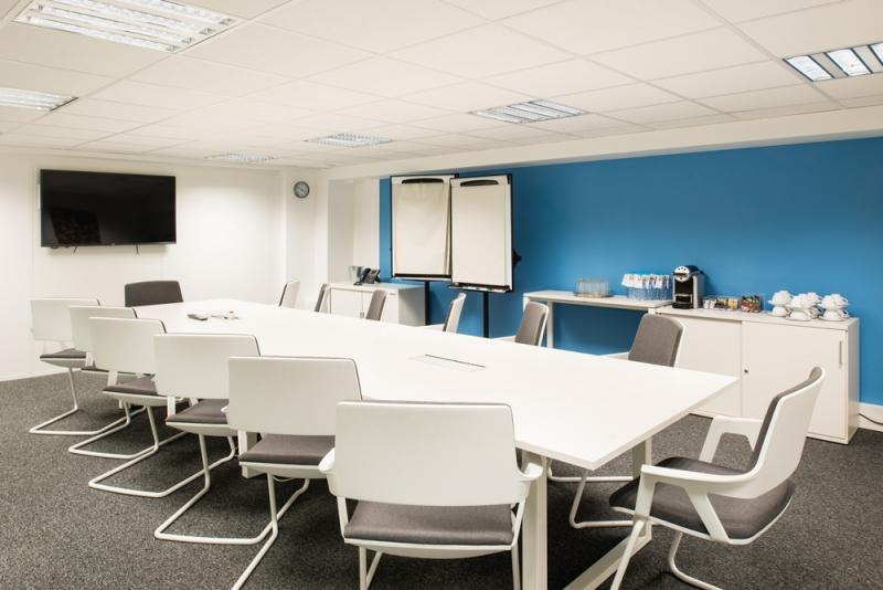 Location bureaux paris 10 75010 10m2 for Location bureau 64