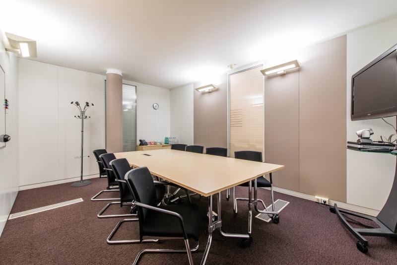 location centres d 39 affaires coworking paris 75008 10m2. Black Bedroom Furniture Sets. Home Design Ideas