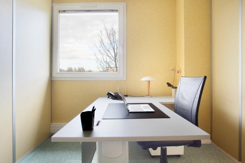 Plateaux de bureaux équipés 100m² à Grenoble-Moirans