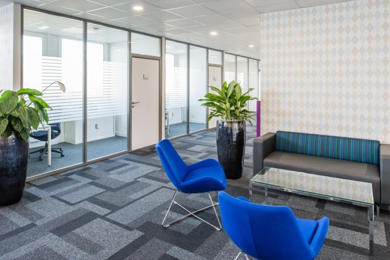 location bureaux locaux d 39 activit s montereau fault yonne 77130 100m2. Black Bedroom Furniture Sets. Home Design Ideas