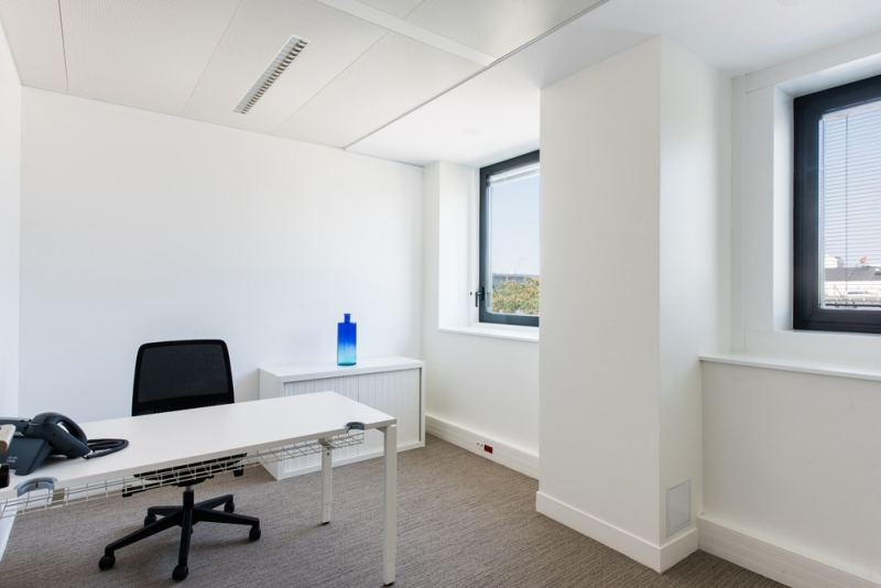 location bureaux la garenne colombes 92250 10m2 id. Black Bedroom Furniture Sets. Home Design Ideas