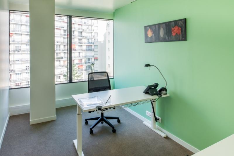 location bureaux paris 8 75008 10m2. Black Bedroom Furniture Sets. Home Design Ideas