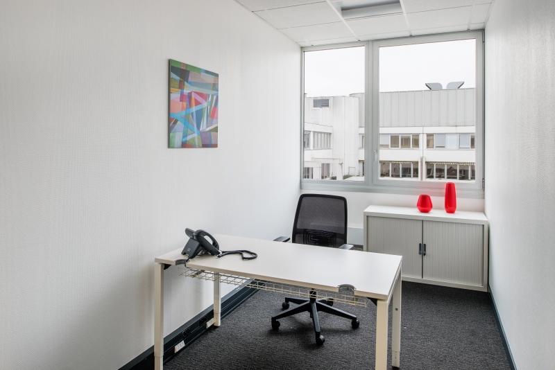 Location bureaux saint denis 93200 10m2 for Location bureau 64
