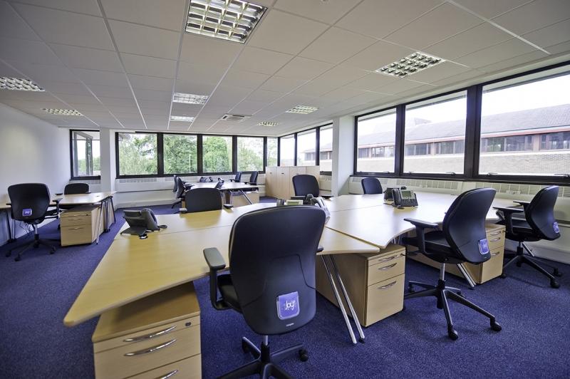 Location bureaux courbevoie 92400 50m2 for Location bureau 64