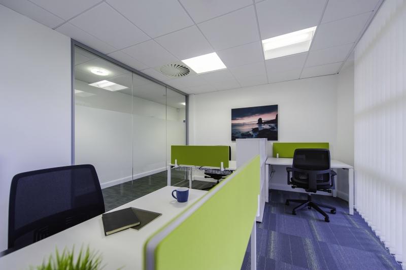 Location bureaux mont vrain 77144 10m2 for Location bureau 64