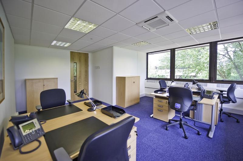 Location bureaux marseille 13008 10m2 for Location bureau 64