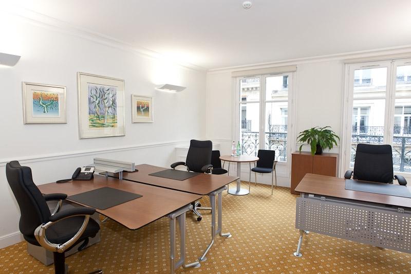 Location bureaux paris 08 75008 100m2 for Location bureau 64