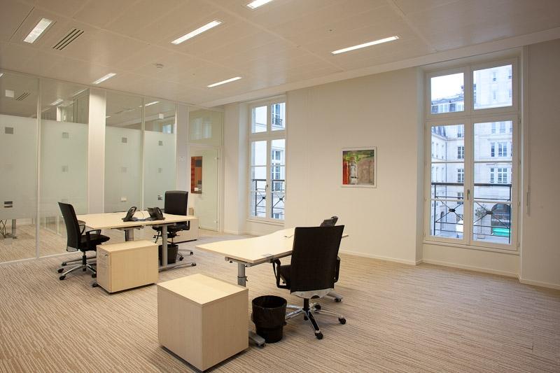 Location bureaux paris 07 75007 10m2 for Location bureau 64