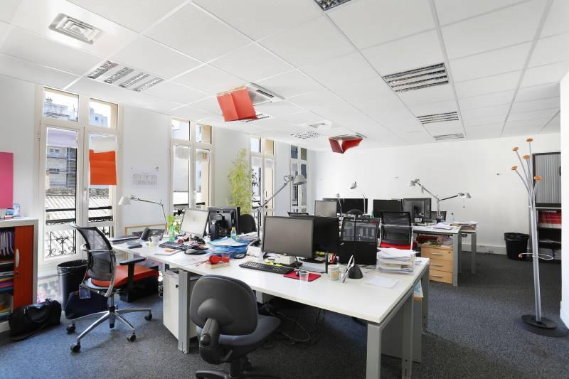 Location bureaux paris 75000 10m2 for Location bureau 64