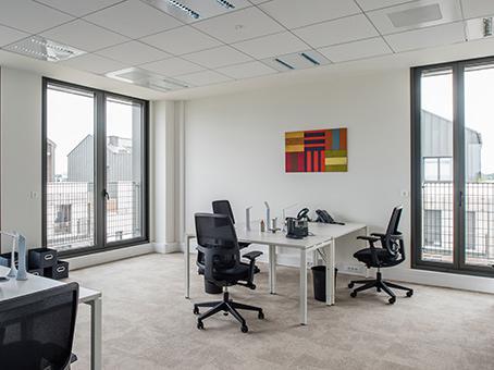 Bureau privé équipé jusqu'à  6 personnes à Montevrain Gare Val d'Europe ! - Photo 1